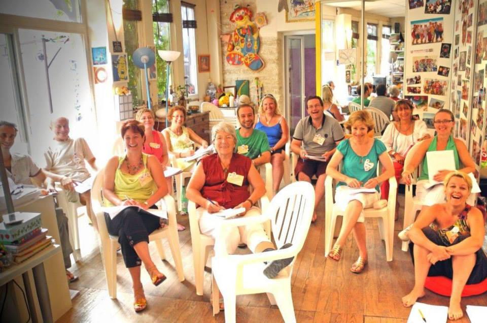 Cours de psychologie positive pour animer un Club de Bonheur pendant une formation de rigologie