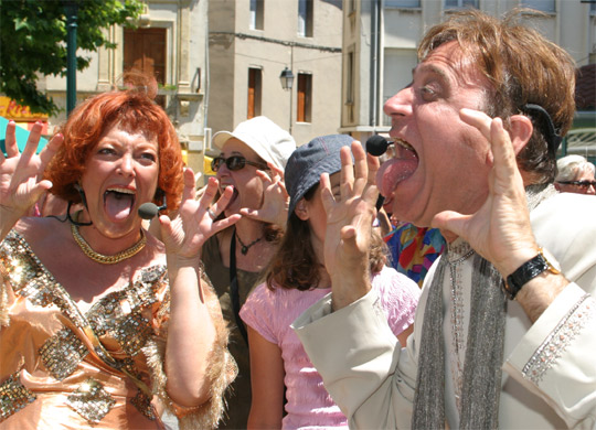 Madan Kataria et Corinne Cosseron à Frontignan en 2004